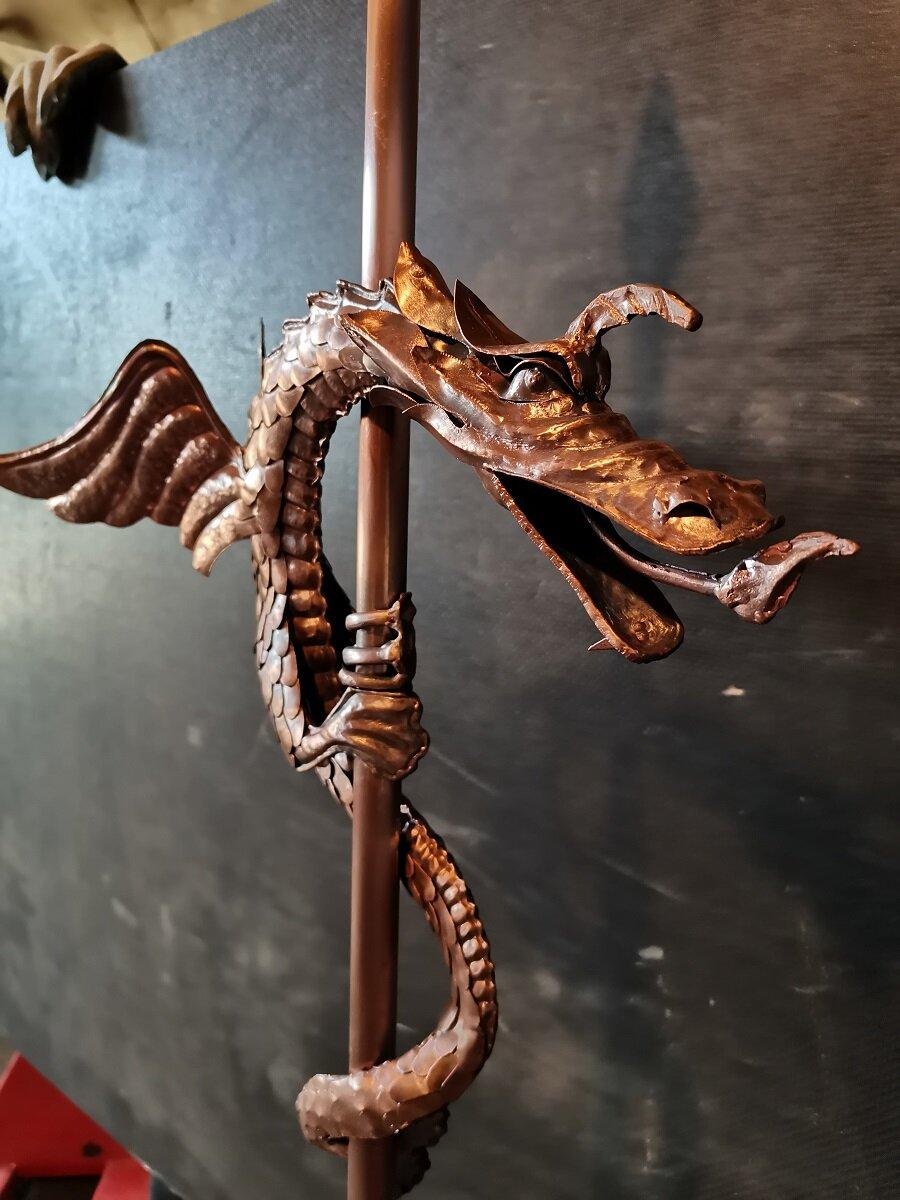 Drakon Iz Medi Na Shpil