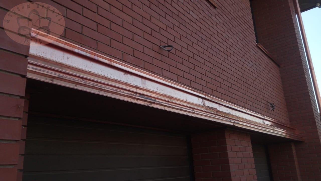 Козырек из меди над гаражом