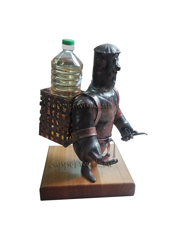 Медный казак с корзиной