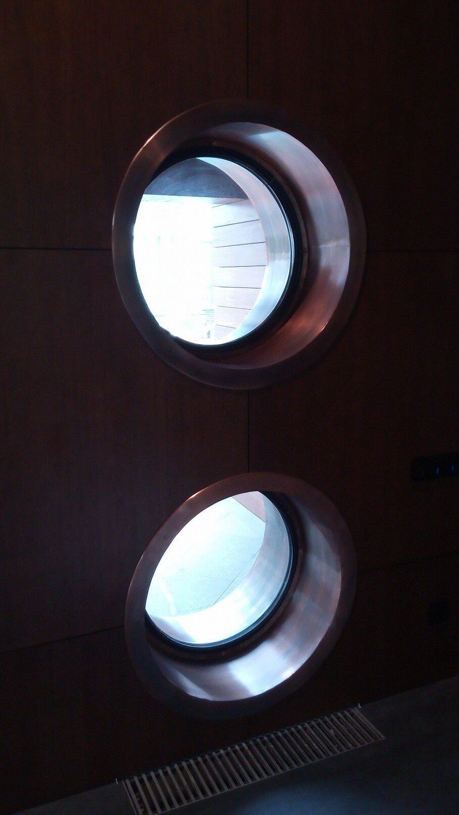 Отливы на круглое окно