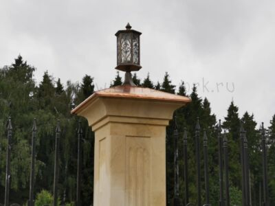 Медный колпак на столб с фонарем